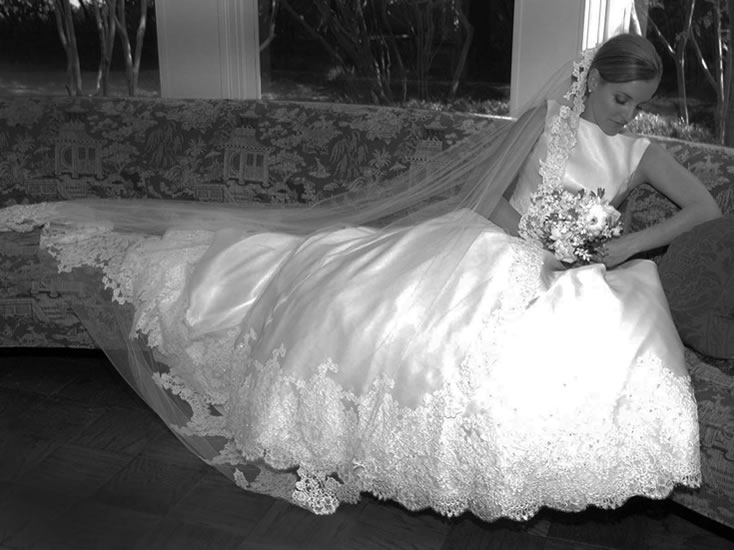 B&W on couch - Bride